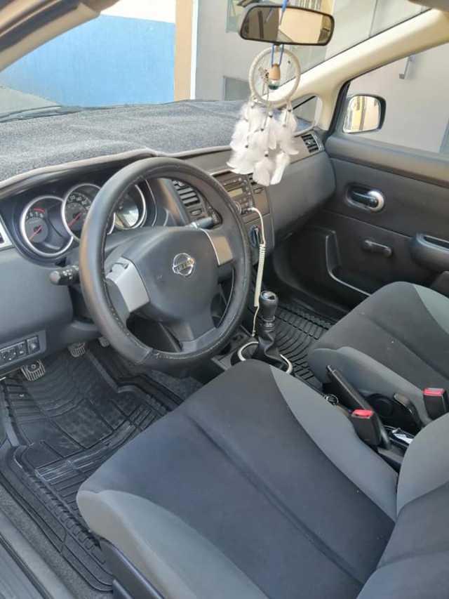 2009 Nissan Tiida · Sedan