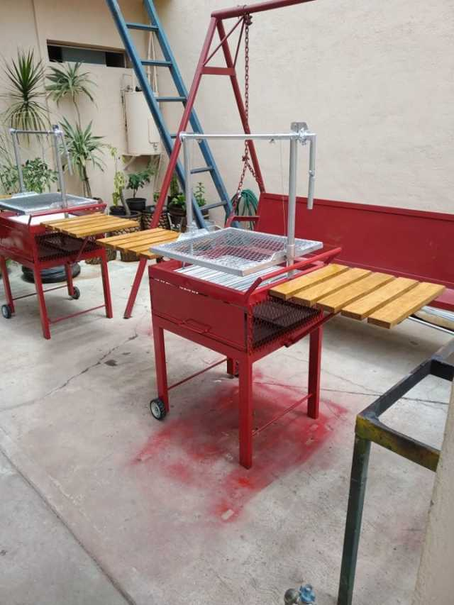 asador tipo argentino,,,con mesas abatibles