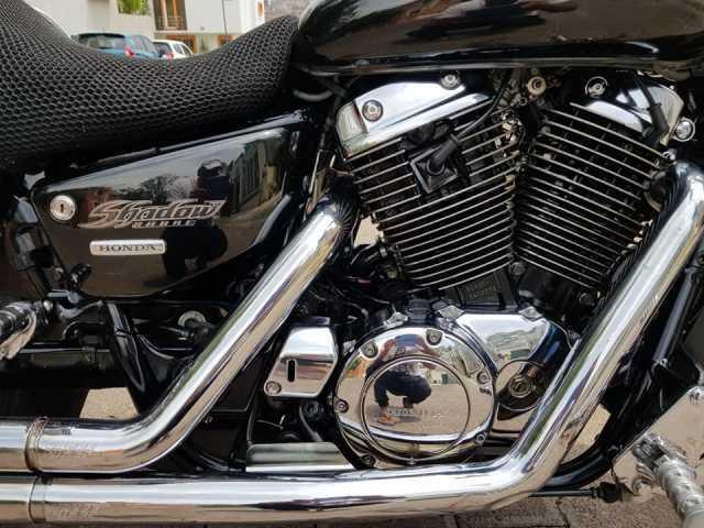 EN VENTA HONDA SABRA MOTOR 1100 MODELO 2004