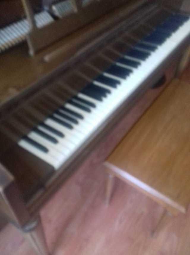 En venta PIANO WRLITZER