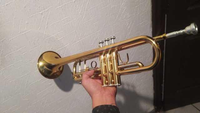 En venta Trompeta mercury de dos colores