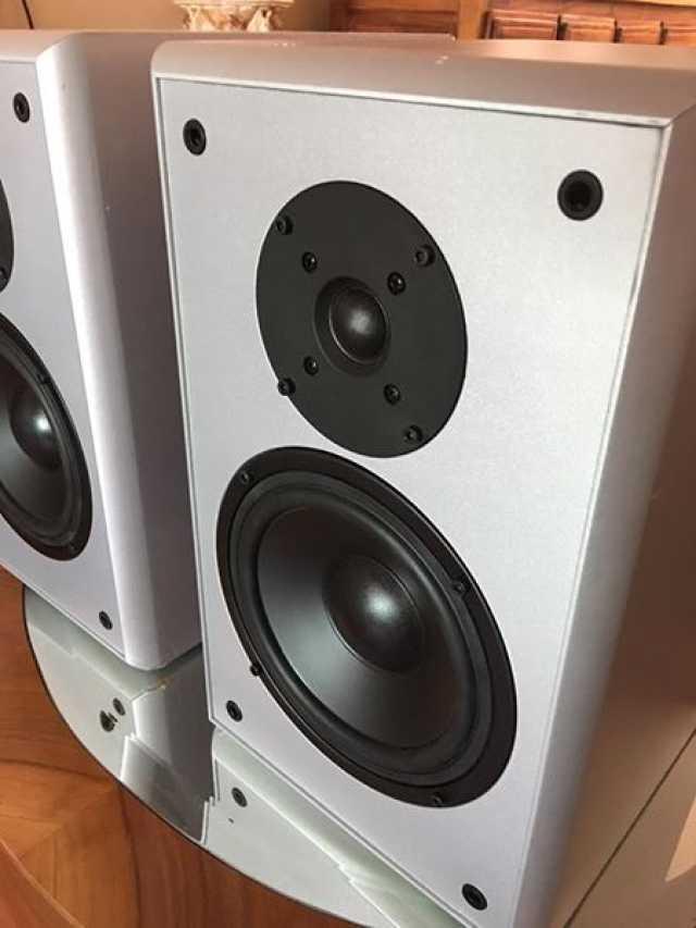 Enormes monitores pasivos para estudio echos en Alemania de marca VOYTEK de 6 ohms a 200 watts