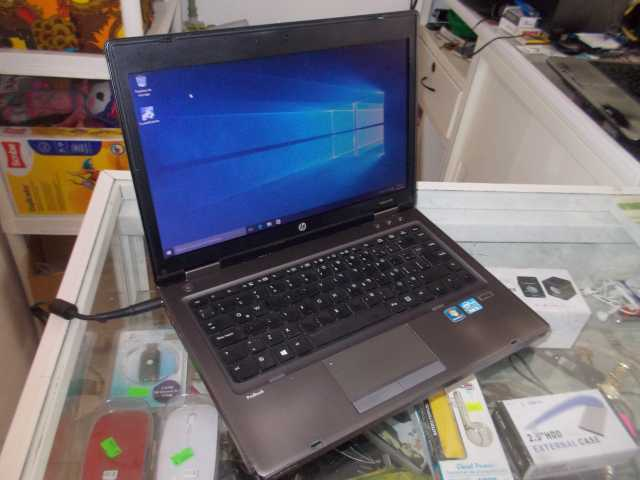 HP  Intel Core i5-3210M, a 2.5 Ghz, 4 núcleos, Disco de 500GB, RAM de 4 GB.