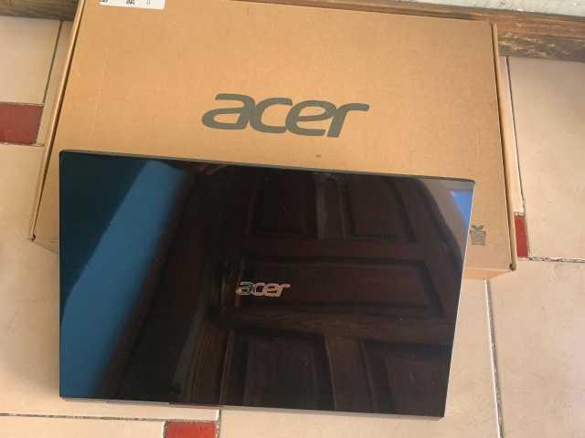 LAP ACER AMD A8 CON 8 GB DE RAM