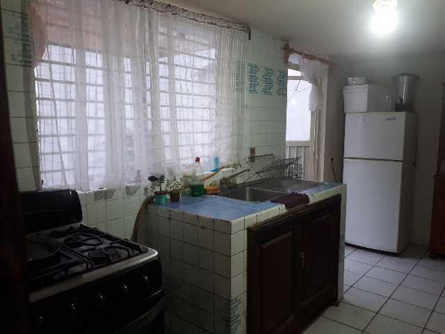 LAS TIJERAS (Vendo amplia casa con 5 recamaras)…