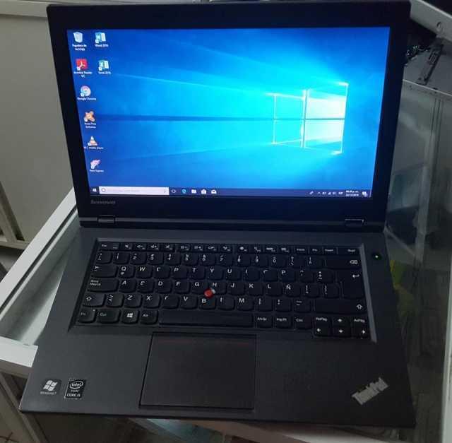 Lenovo L440, Core i5 4300M, 4 núcleos, Disco duro 500GB, RAM de 8 GB DDR3.