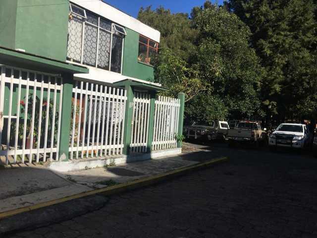 RENTO CASA EN COLONIA CAMELINAS 3 RECAMARAS, EN CALLE PRIVADA CON PORTON $7900 A TRATAR SOLO LLAMADAS