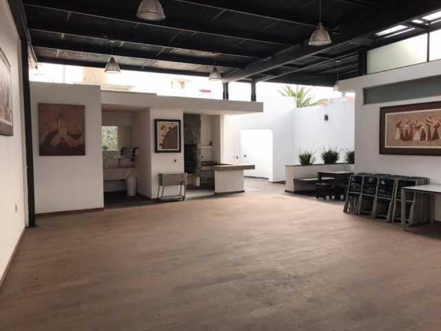 Rento salón para desayunos, comidas, carnes asadas. Capacidad para 80 personas.