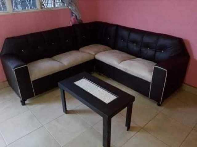 salas nuevas con mesa de centro de regalo