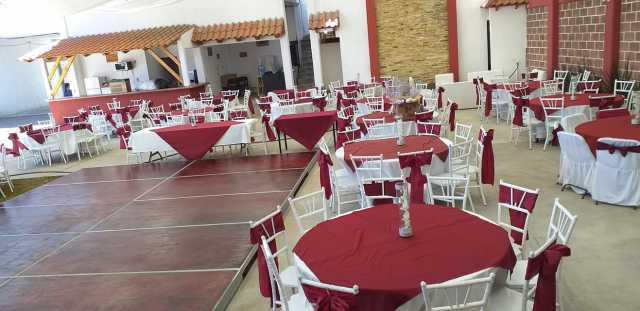 Salon de fiestas Jardín cascadas salida a Charo Frente al fraccionamiento jardines de la Aldea