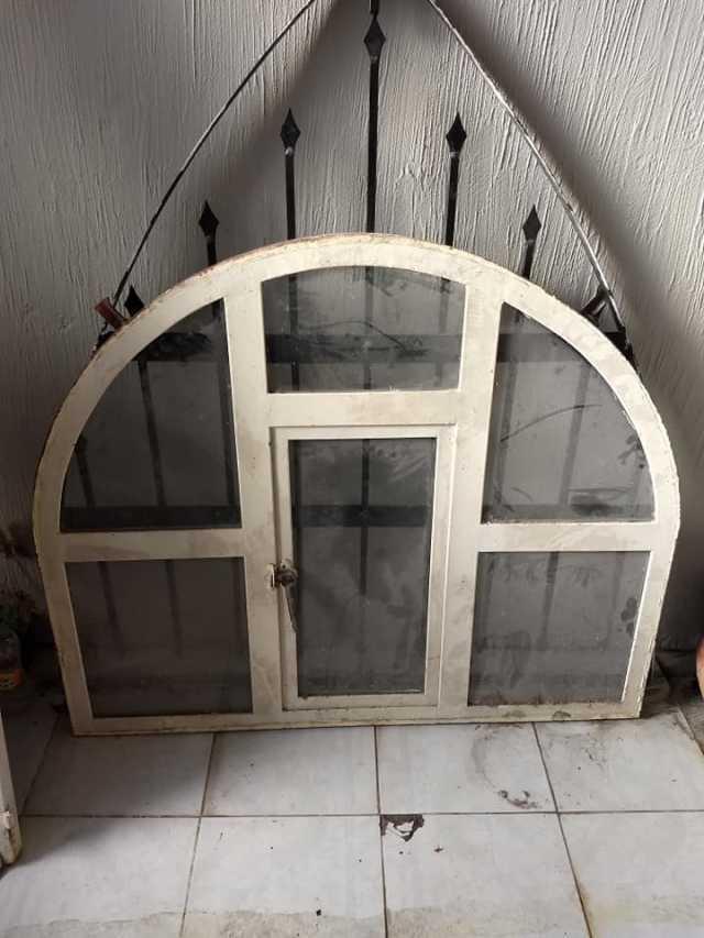 Se venden Puertas, barandal y ventanas