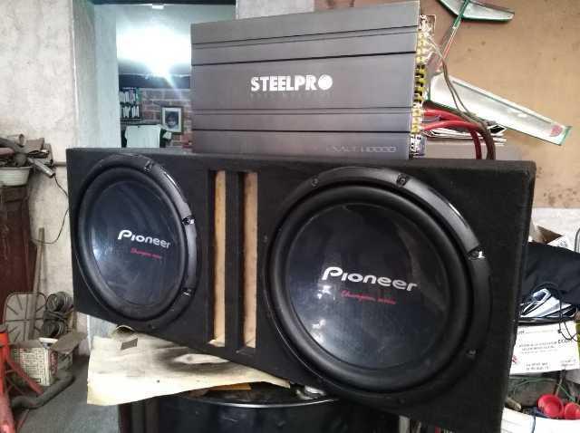 Vendo equipo de sonido para automóvil con subwoofers Pioneer