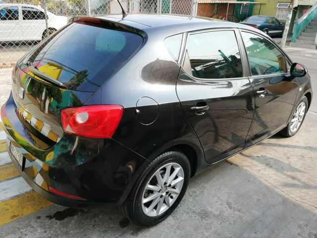 Vendo Seat Ibiza modelo 2011